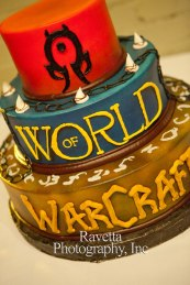 horde-wedding-cake